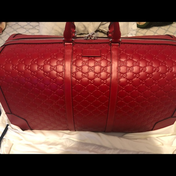 b7280ba721e Gucci Signature Leather Duffle